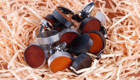 FIAIN_LEATHER_CUFFLINKS