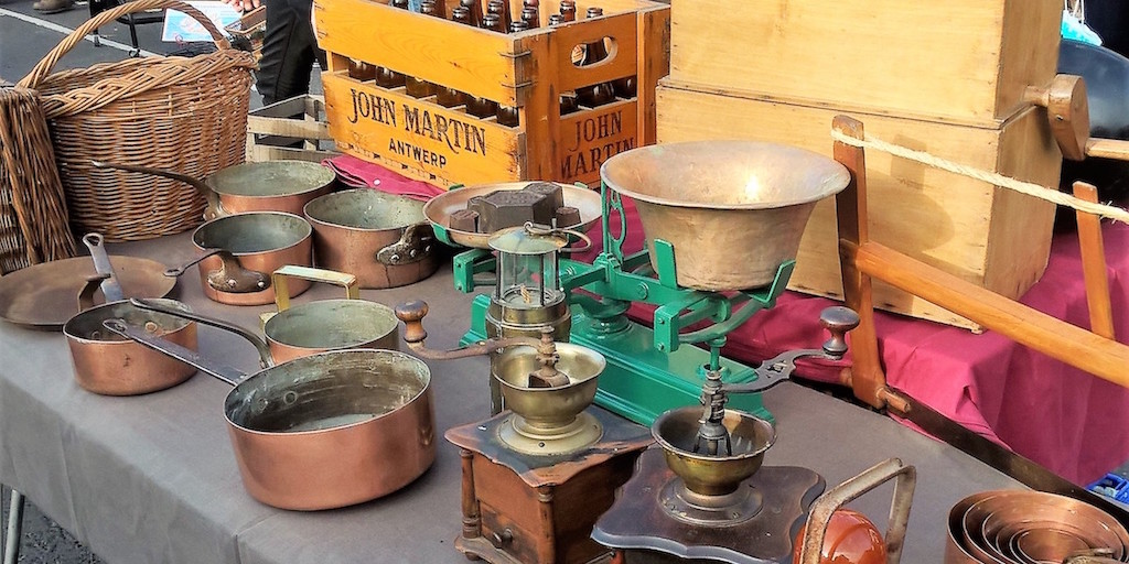 New But Old Collectibles stall at the Dublin Flea Christmas Market